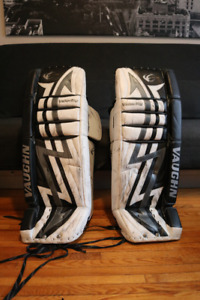 Full set of GOALIE PADS vaughn + nike bauer + reebok
