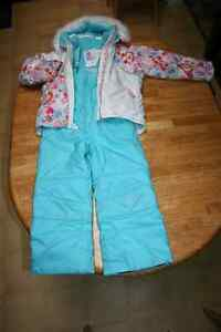 BELLE HEDGE ski jacket and pant set for girl size 6 London Ontario image 1