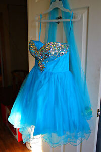 Short Puffy Prom Dress/Formal Dress - Size XL - Corset Back