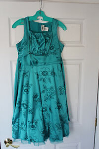 Girls turquoise formal dress in size 16 *Only worn once!