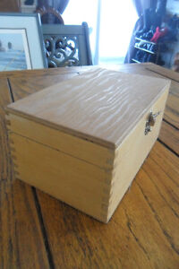 Wooden box fingerjoint