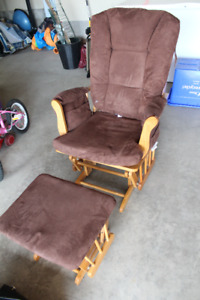 Great Nursing/Rocking Chair