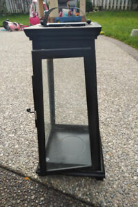 Outdoor lantern for large candle