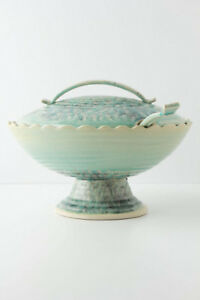 Beautiful Anthropologie Serving Dish in New (giftable) Condition