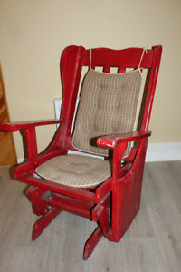 Chaise berceuse du pere Noel,  Rouge ,super belle.