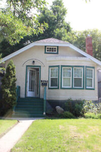 Lovely 2 bed/1 bath 5 appliance Cathedral character home