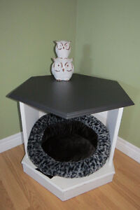 Pet bed/ Side Table