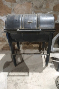 BBQ old school charcoal old drum