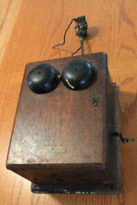 Antique 1906 wined up phone