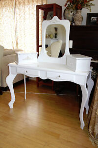 Shabby Chic Cosmetic Table /Dressing Table