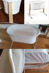 Baby Bjorn Bassinet with mattress cover new condition