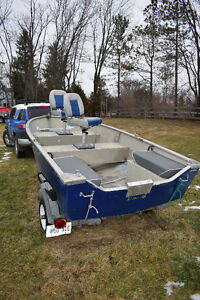 FISHING BOAT WITH TRAILER NO MOTOR