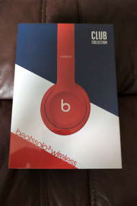 Brand new sealed beats solo3 wireless headphone