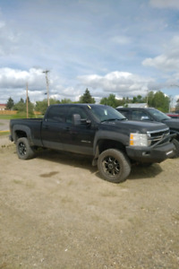 2011 Chevrolet 2500 6.0 - High Km But Clean!!!! Reduced $12888