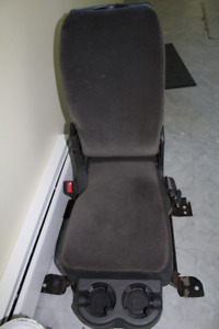 CONSOLE / SEAT for a 2005 GMC TRUCK