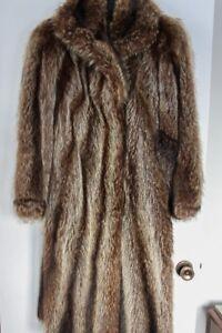 manteau de fourrure en rat musqué