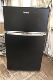 vanshef fridge freezer ideal for small kitchen or caravan etc