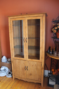Display cabinet and pantry
