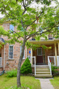 3 Bedrooms townhouse for rent in Markham