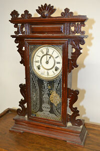 Horloge antique en noyer de 1915