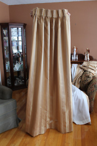Living Room Side Drapes with Shears