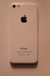 IPhone 5C White/Blanc 8GB Unlocked Débloqué ++*Brand new screen*
