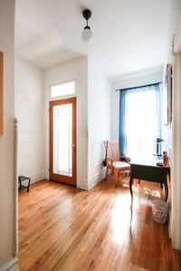 Mile End 5 1/2 Apartment +1300 sq ft Amazing Location!!
