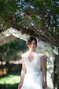 Gorgeous Ball Gown Wedding Dress - IVORY/LACE