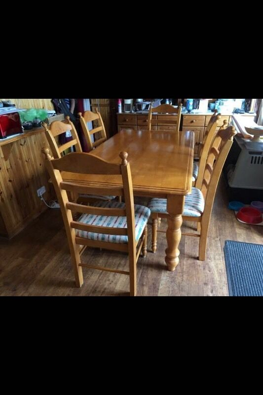 Oak dining room table 3 months old in linlithgow west for Dining room tables on gumtree