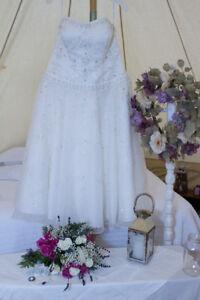 Burlington/Wedding Dress, Oleg Cassini Size 14-16