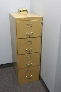 Classeur (4 tiroirs) / Filing Cabinet (4 drawers)