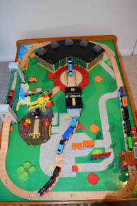 Thomas the Train - Fantasic Wooden Set with Table with Storage
