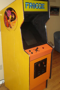 Stand Up Video Game With Cabinet Windsor Region Ontario image 1