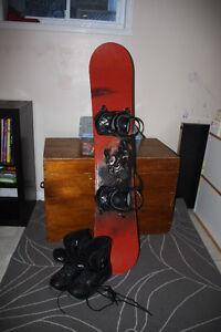Snowboard 5150 Nomad, 146 cm, fixes et bottes
