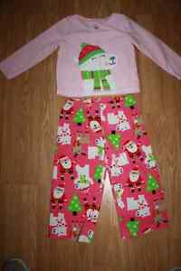 Carters size 3T 2 piece Christmas pyjamas Moose Jaw Regina Area image 1