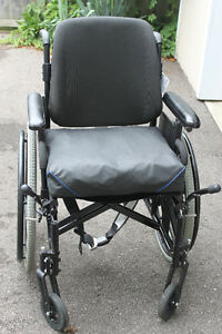 Wheelchair for Sale - $250.00 Cambridge Kitchener Area image 3