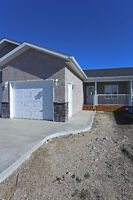 New Home in Morris 30 min to Winnipeg! AMAZING VALUE