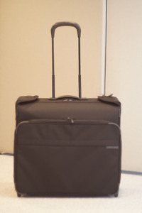 Briggs and Riley Baseline  Wheeled Wardrobe Bag