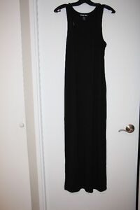 robes ,jupes,chandails ,10$ chaque