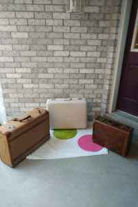 2 NOW 1 ANTIQUE SUITCASES+1 VINTAGE SUITCASE* See EACH PRICE