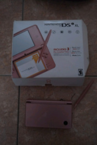 Nintendo ds xl rose very good condition