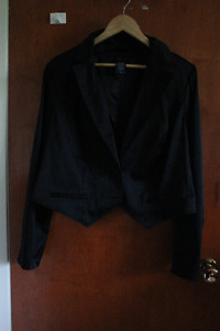 Long sleeved tuxedo bolero jacket