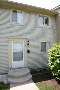 3 bdrm Townhouse with Finished Basement May 1st