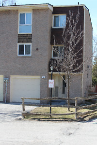 3 bedroom Town House for Rent - Van Horn and Don Mills area