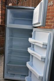 Fridge freezer (can deliver)