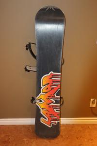 Planche à neige Lamar Diablo - 144 cm - avec fixations
