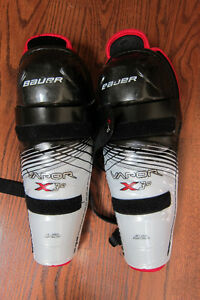 "hockey shin guards - Bauer X30 Jr Large 12"" Cambridge Kitchener Area image 1"
