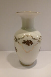 "Reichenbach Fine China- German Democratic Republic Vase ""Signed"" Oakville / Halton Region Toronto (GTA) image 4"