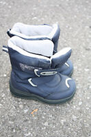 Boys Cougar Winter Boots - Size 8