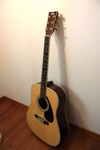 OLDER YAMAHA ACOUSTIC GUITAR-EXCELLENT with case